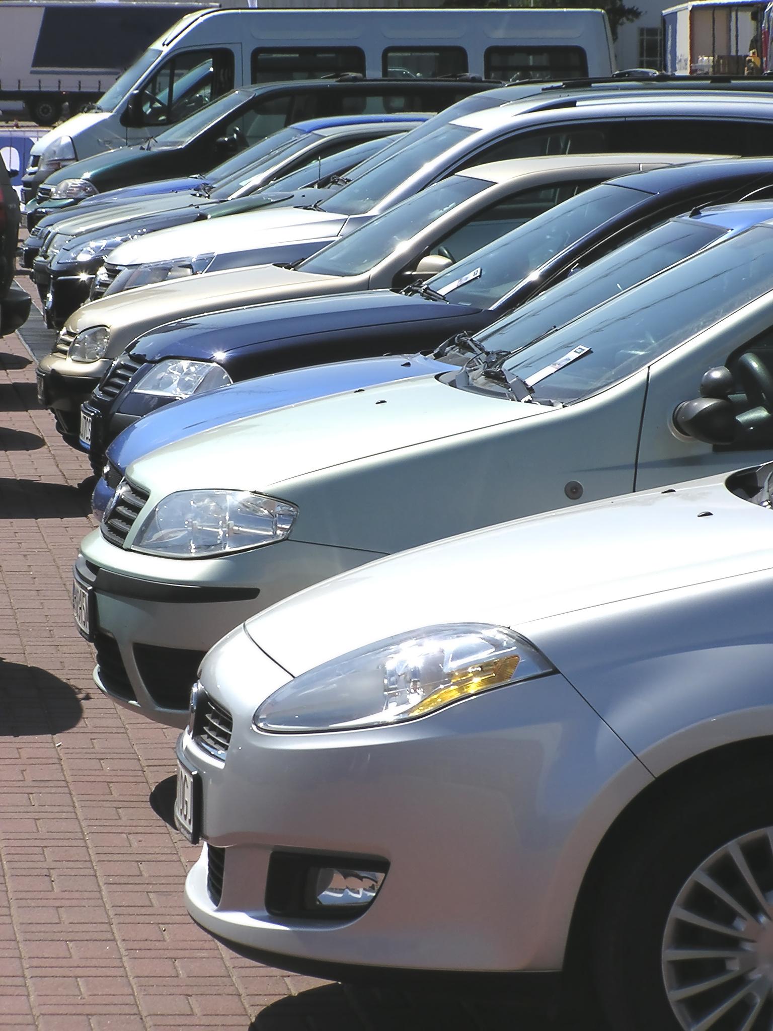 Magyar vagy külföldről behozott használt autót válasszunk?