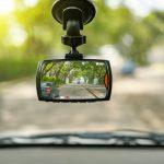 Miért jó és hogyan szabályos a fedélzeti kamera (dash cam)?