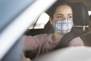 autóban kell maszkot viselni